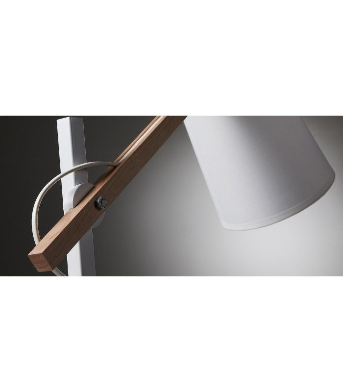 Design nordique jovik lampe de table en m tal en bois for Architecture nordique
